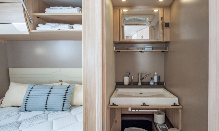 wincester 65 lmc queensbett floriumflorium. Black Bedroom Furniture Sets. Home Design Ideas