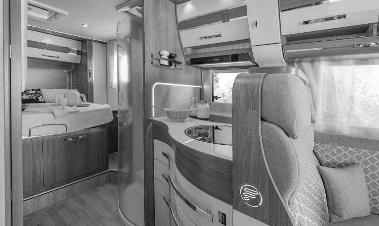florium wincester 70lms le camping car integral lit centralflorium. Black Bedroom Furniture Sets. Home Design Ideas