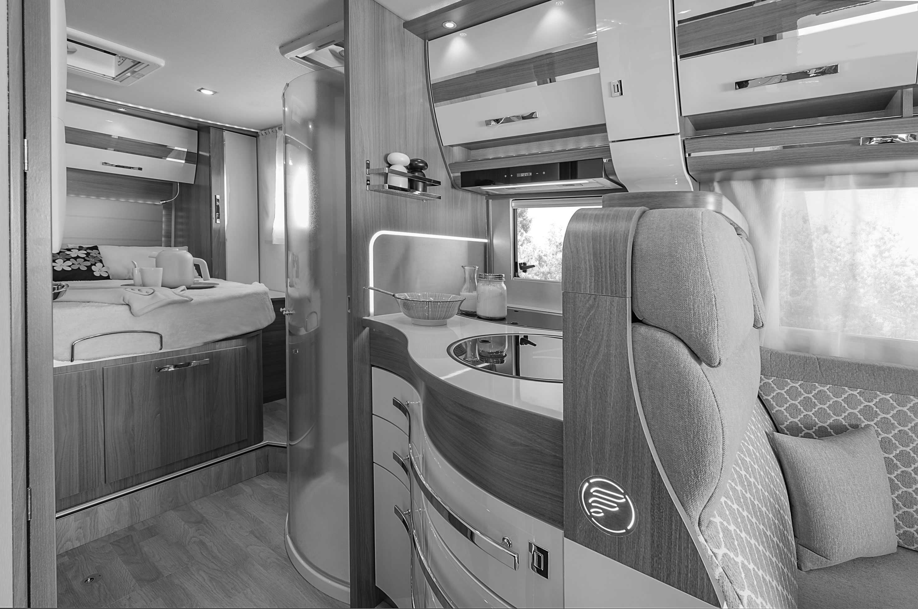 wincester 70lms le camping car int gral compact avec lit central floriumflorium. Black Bedroom Furniture Sets. Home Design Ideas